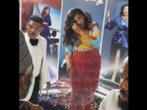 Video: Omotola Jalade and Her Husband Snaps In 360 Camera As King Sunny Ade Steps Out Of The Event